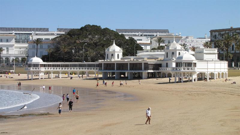Playa La Caleta a 5 min