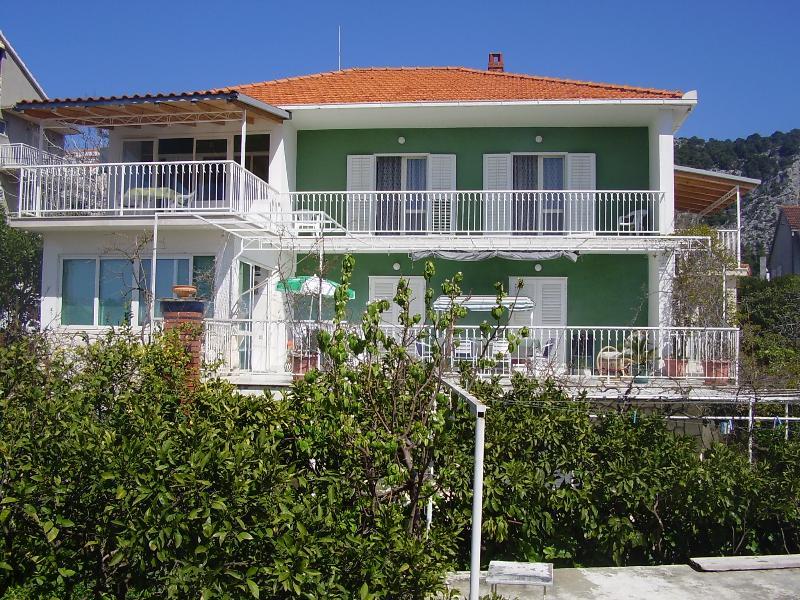 House est situé à 4 min du centre de la ville de Hvar !!! !