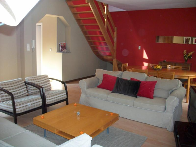 Fully equipped 3-Bedroom Flat in European District, location de vacances à Bruxelles