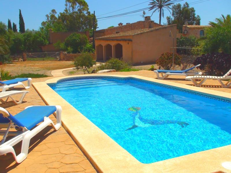 Can Cova, wifi gratis, piscina privada, holiday rental in Es Llombards