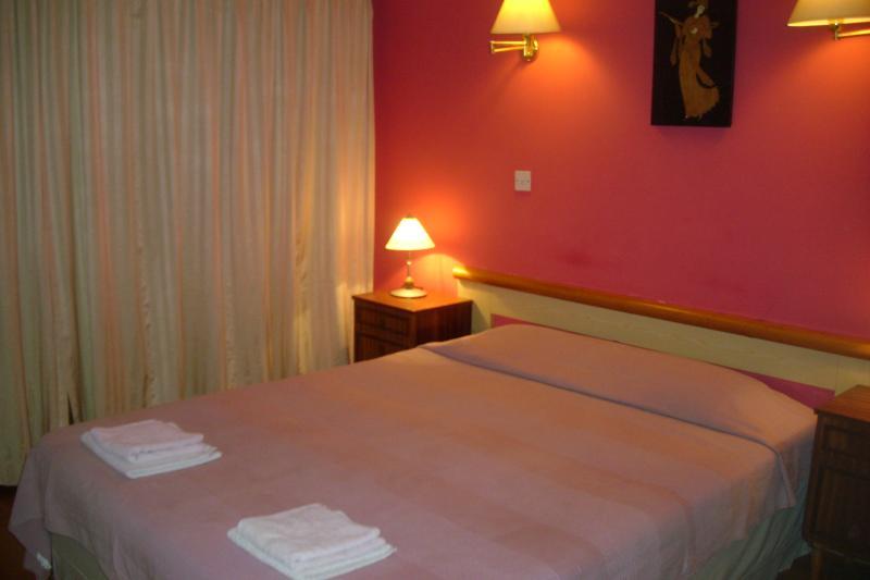 CITY CENTRE ONE BEDROOM APT, holiday rental in Larnaca