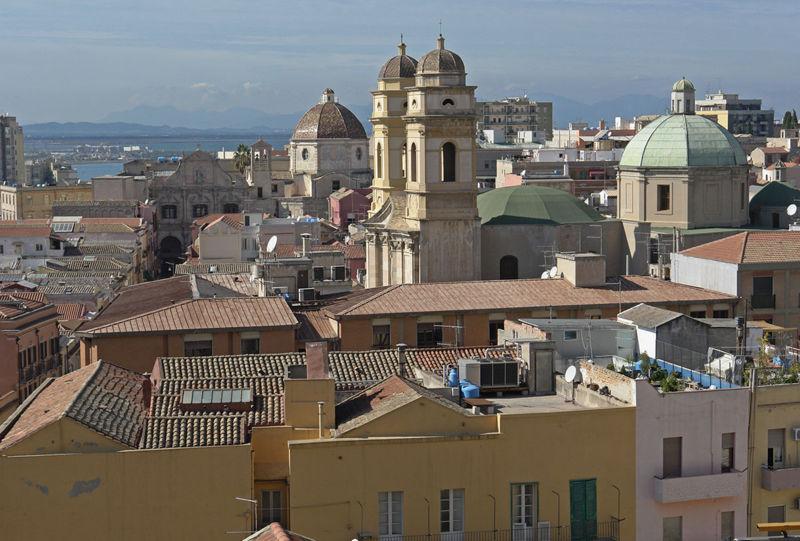 Grazioso appartamento, aluguéis de temporada em Cagliari