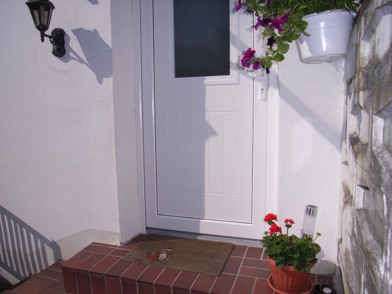 schöne,saubere,kleine Wohnung im Vorort - Charmante kleine ...