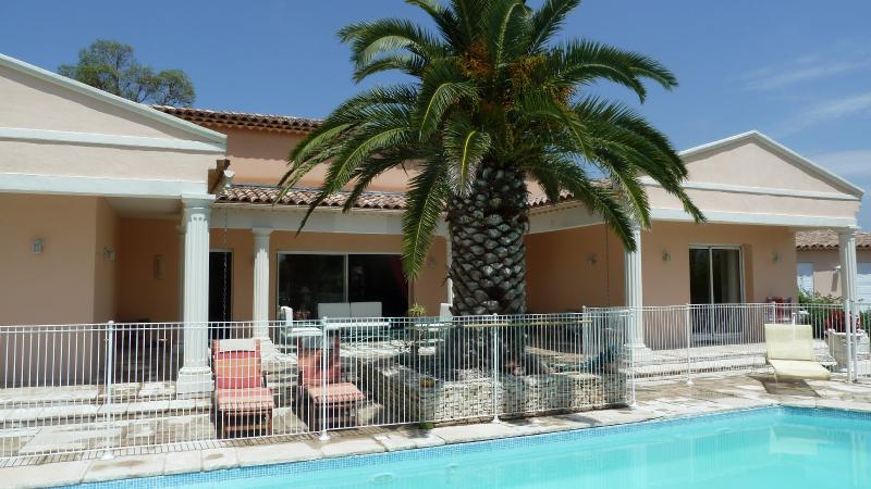 Les Cigalous, Cévennes, chambre d'hôtes, piscine, aluguéis de temporada em Galargues