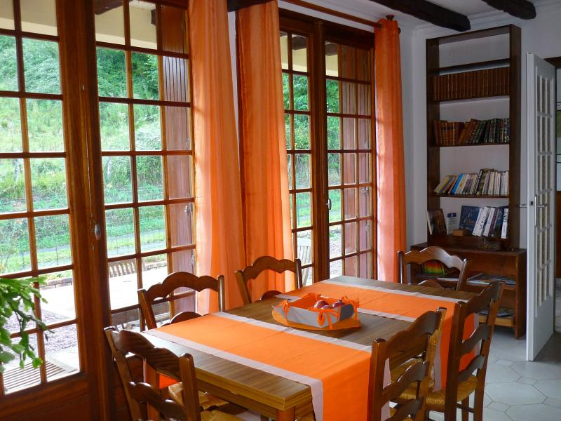 Charmante maison de campagne, holiday rental in Orbec