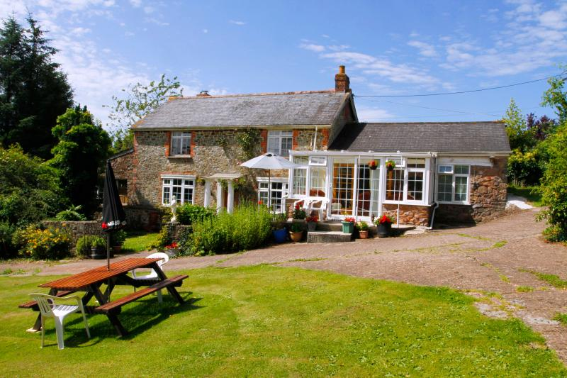 Upcott Squire Devon Holidays - Upcott Squire Annexe, vacation rental in Knowstone