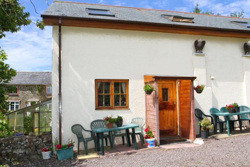 Upcott Squire Devon Holidays - Cherry Blossom Cottage, vacation rental in Knowstone