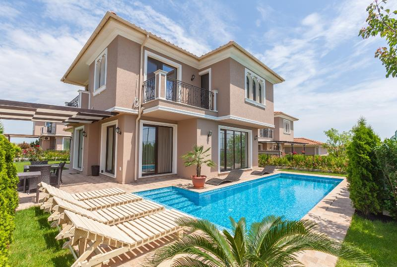 Villa 'Bella', holiday rental in Pomorie