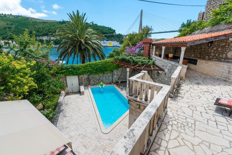 Villa Frana Dubrovnik - 4 bedrooms & swimming pool, vacation rental in Dubrovnik