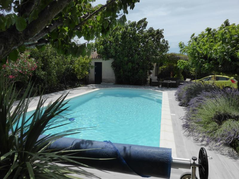 APPARTEMENT 2/4 PERSONNES EN PROVENCE, holiday rental in Eyragues