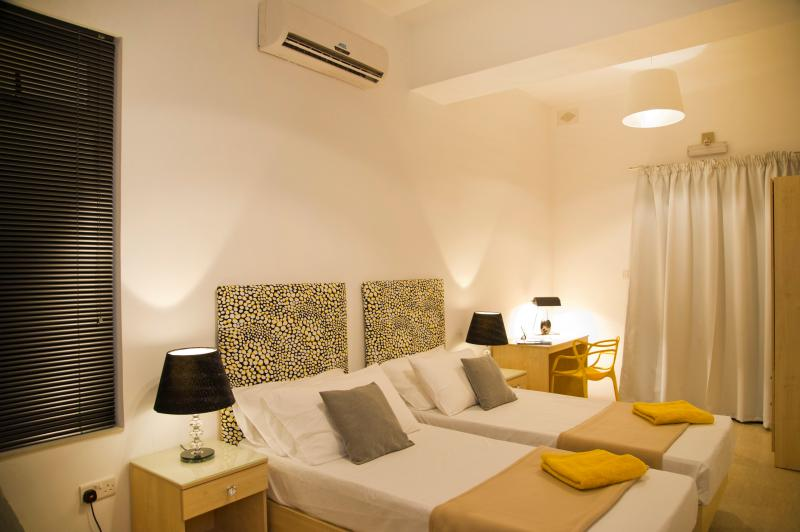 All bedrooms and kitchen are airconditioned