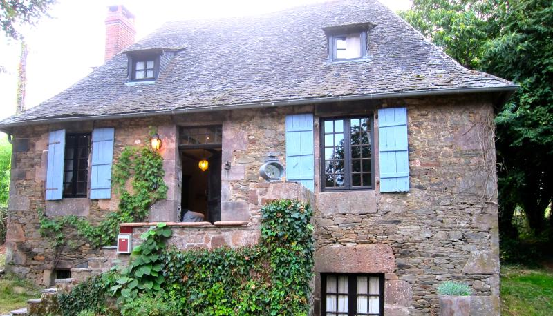 Southern Correze 19th century Country Home, vacation rental in Segur-le-Chateau