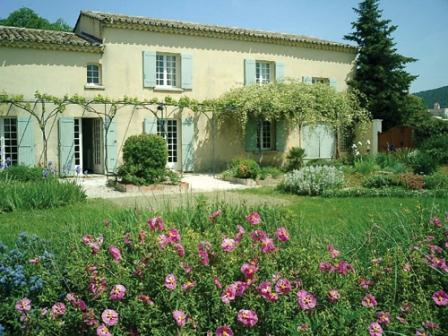 Beautiful authentic farmhouse in the vineyards at a place called The Great Valats