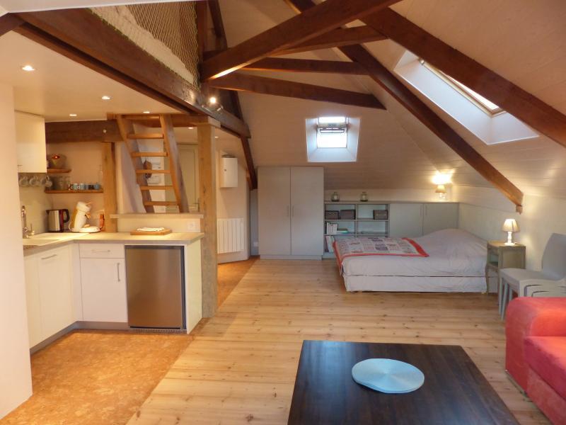 Loft 'Chausey' 900 m plage Normandie, holiday rental in Regneville-sur-Mer