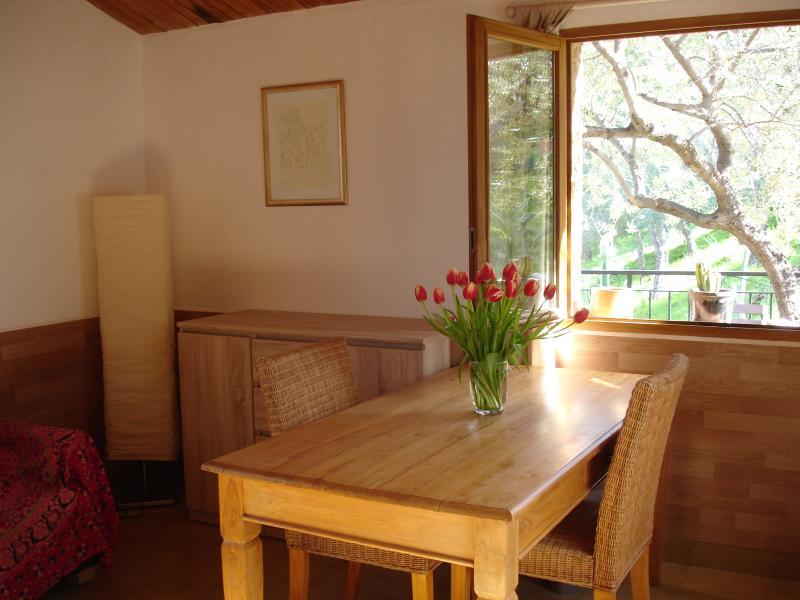Studio à louer en Balagne à Urtaca / Ferienhaus San Nicolao in Urtaca, aluguéis de temporada em Valle-di-Rostino