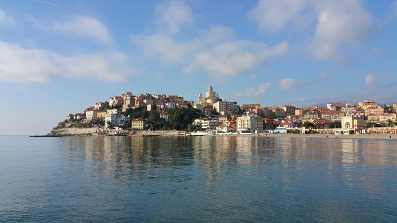 Vista de Parasio desde Borgo Marina