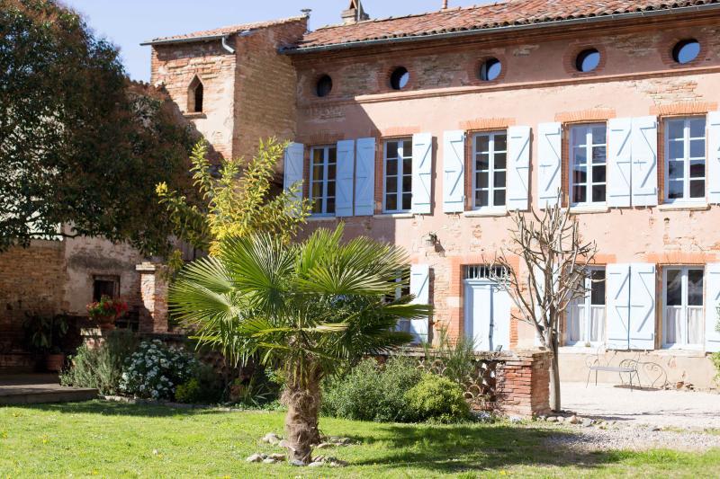 Gite dans maison de maitre - Blagnac - Toulouse, holiday rental in Villeneuve-Tolosane