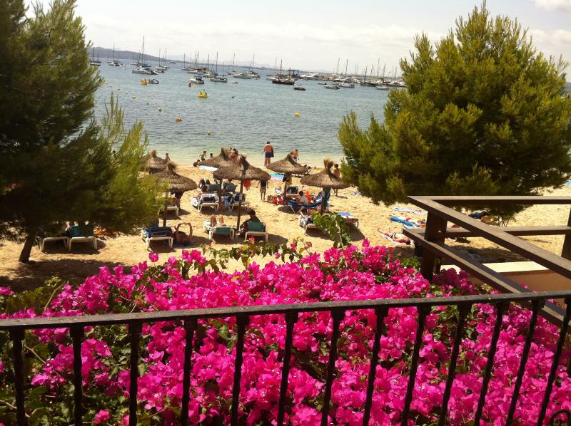 Casa Mallorquina frente al mar en Mallorca Puerto Pollensa, aluguéis de temporada em Formentor