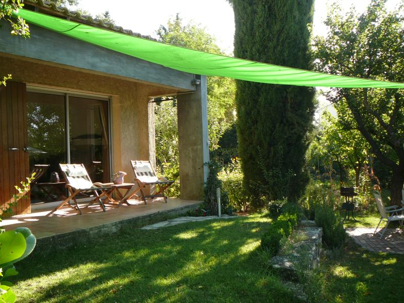 dans villa de caractère, charmant appartement, vacation rental in Aix-en-Provence