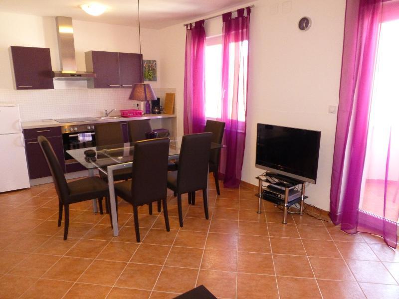 Apartmani Kvesic - Lavanda, holiday rental in Silo