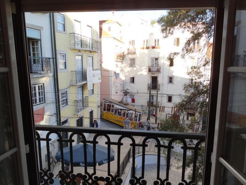 HOUSE SANTO ANTONINHO, holiday rental in Lisbon
