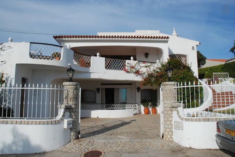 Genie's Villa Boutique  -  Algarve, Portugal = Ideal for Families and Friends, alquiler vacacional en Almancil