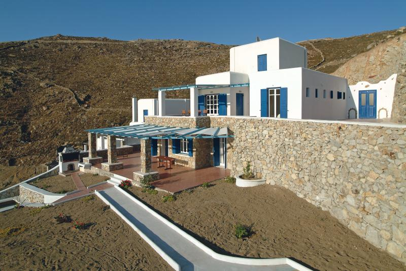 the beautiful villachrysta, holiday rental in Elia