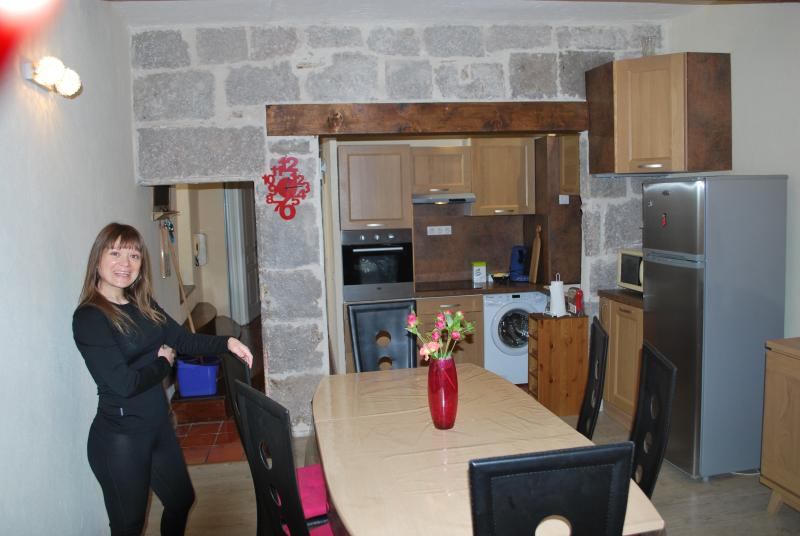 Appartement charmant atypique tout confort, holiday rental in Bessan