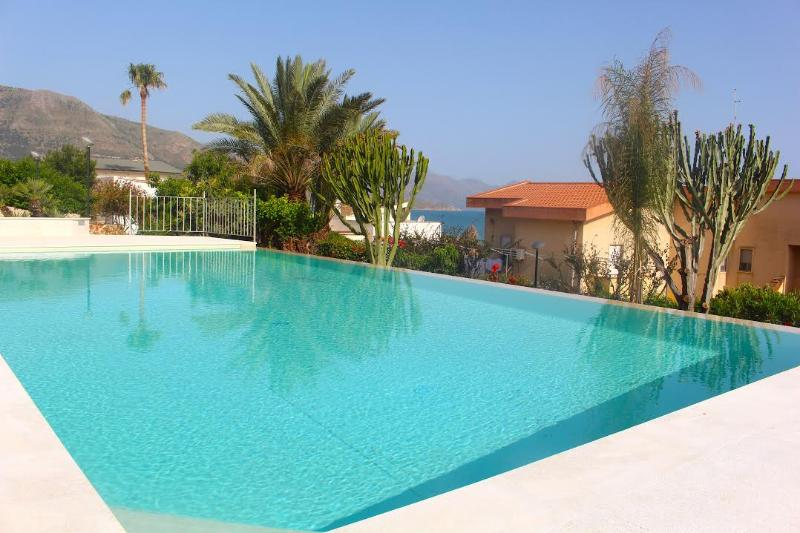Affordable  Appartment 2- SABBIE D'ORO RESIDENCE, holiday rental in Castellammare del Golfo