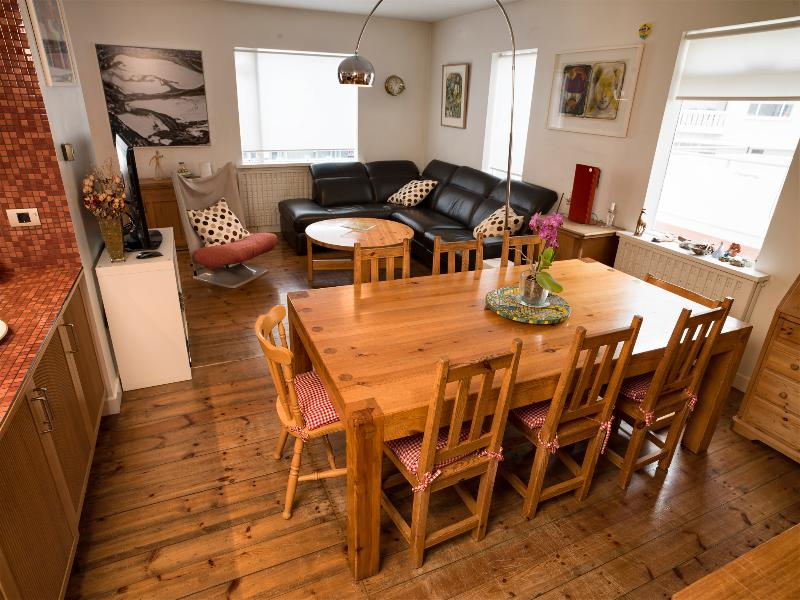 Town House 5 min walk from the Center, vacation rental in Seltjarnarnes