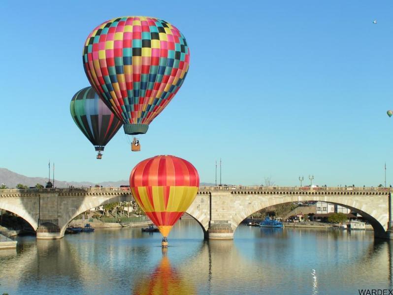 Balloon Fest at London Bridge