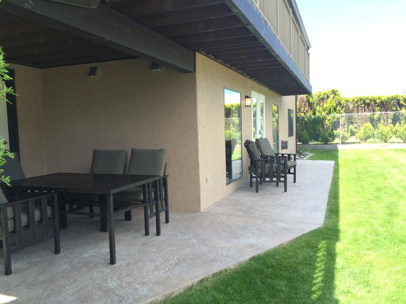 Eating space and deck area with BBQ