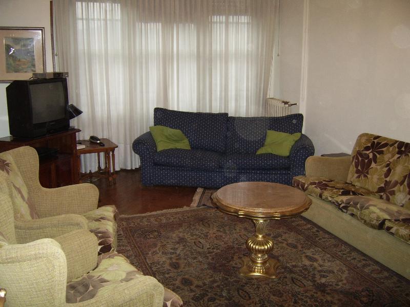Vivienda exterior en el centro de Bilbao, vacation rental in Bilbao