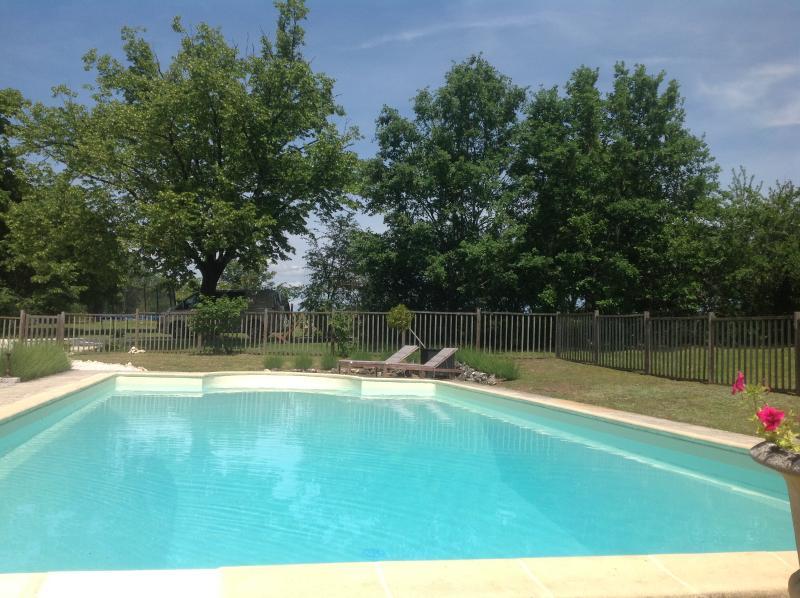 Vernieuwd zwembad van 6/12 meter!