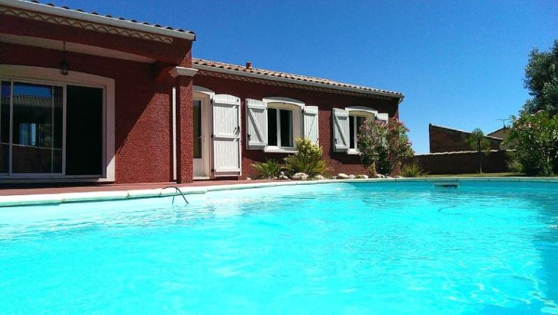 Villa Provençale au Coeur du Vignoble Corbières, vacation rental in Thezan-des-Corbieres