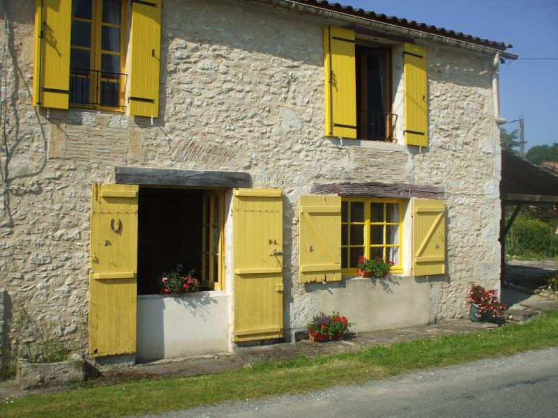 Les Volets Jaunes, vacation rental in Saussignac