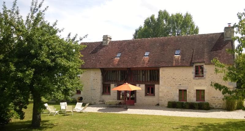 Maison de Manou et Pierre, Ferienwohnung in Courtomer