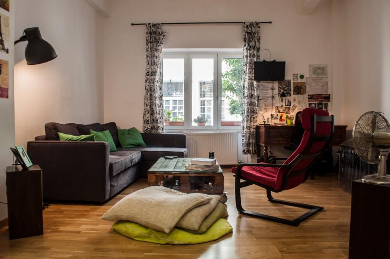 A cosy relief in the heart of Athens that will make you feel like home.