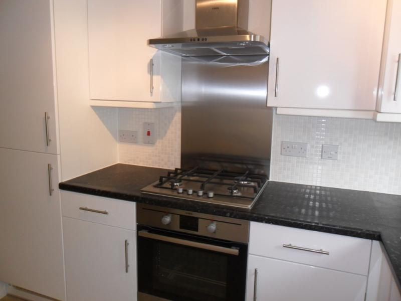 Watford 2 Bedroom House, vacation rental in Borehamwood