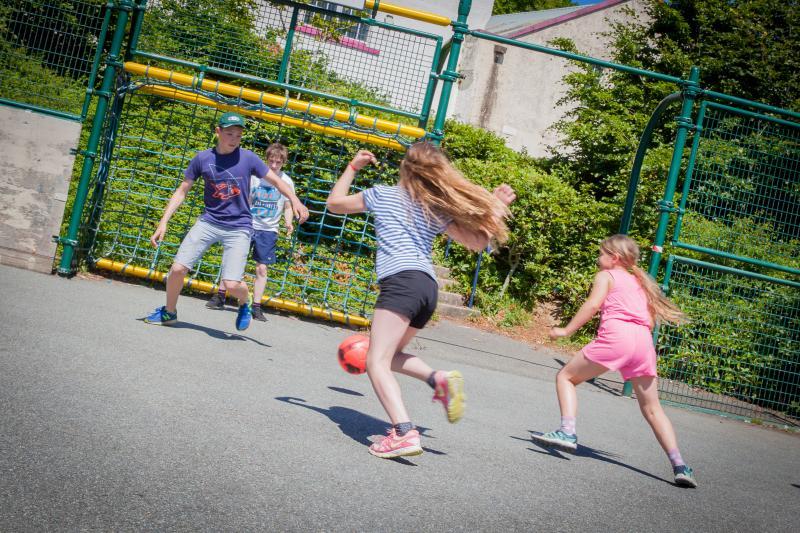 As crianças podem brincar enquanto você relaxa. Ou juntá-lo para um local de competição.