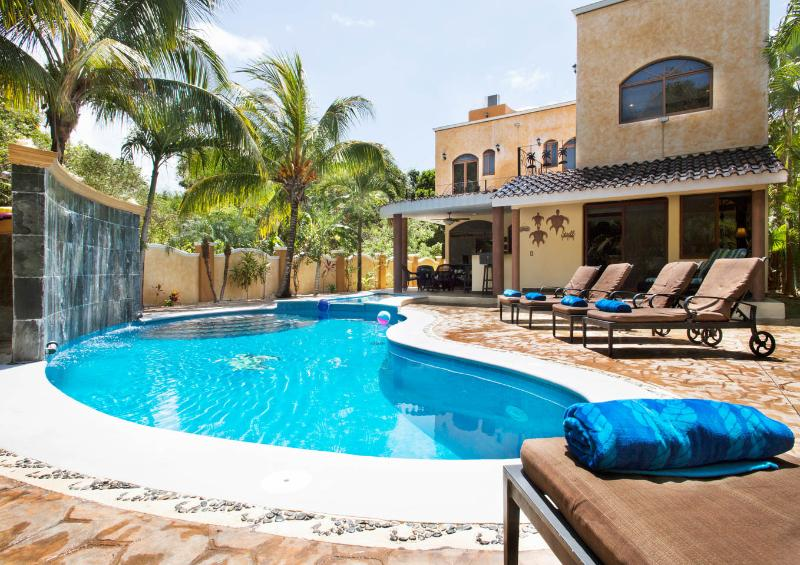 *Villa La Vida Loca*5BR Luxury* Private Pool&Roof, location de vacances à Playa del Carmen