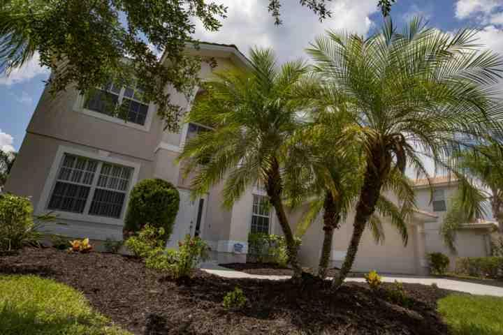 Spacious, clean Florida 4 bedroom in a private gated community