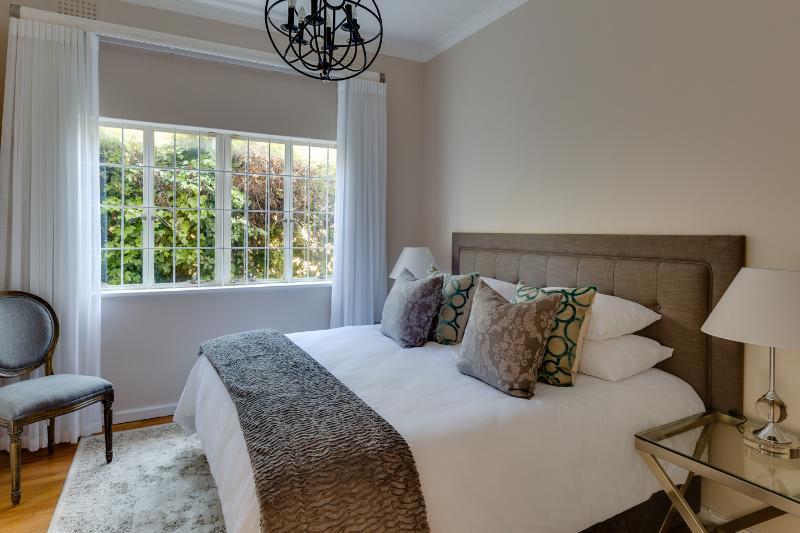 2 dormitorios con cama de matrimonio (se puede componer como gemelos a petición)
