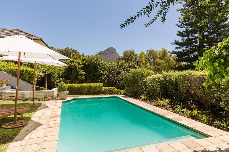 Gran piscina con vistas a Lions Head