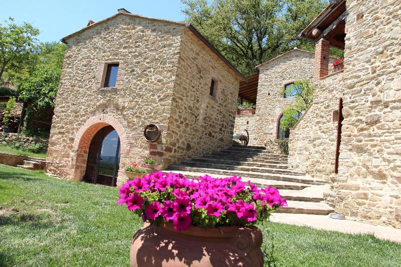 Bed & Breakfast Il Paradiso - La Cantinetta, holiday rental in Bagnena