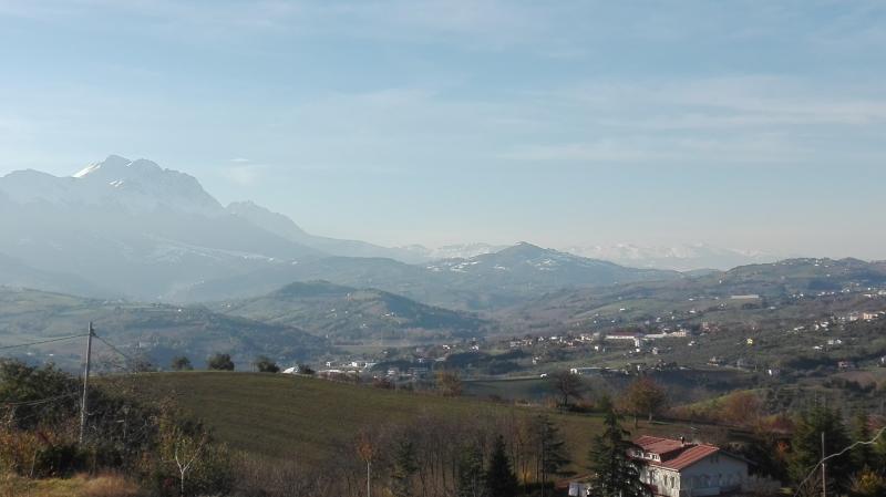 Casina delle fate - Splendida vista mare e monti !, holiday rental in Farindola