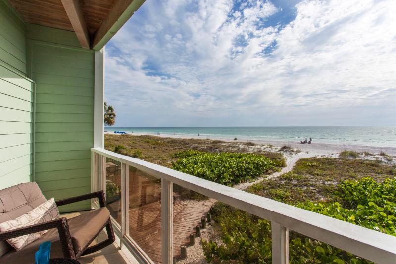 Gulf Front Luxury Awaits You at Casa de B.O.B ... Best on Beach!