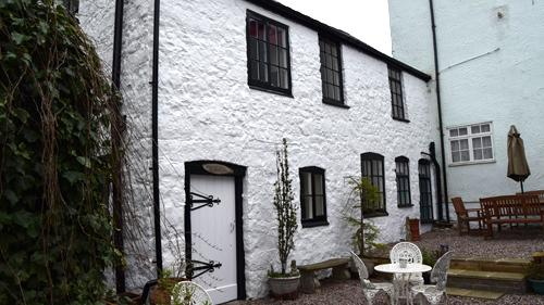 The Old Printers, Comfortable cottage, Town Centre, holiday rental in Pentre Llanrhaeadr