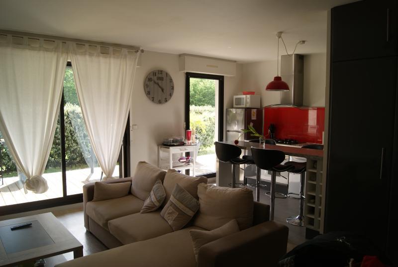 appartement T2 meublé, casa vacanza a Saint-Medard-en-Jalles