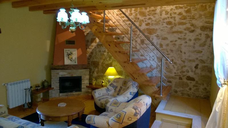 VILLA PINHEIROS, vacation rental in Alvaiazere
